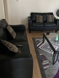 "Like New Sofa & Loveseat ""black"" Set for Sale in Chicago,  IL"