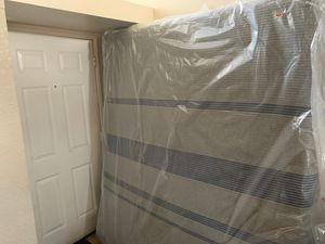 Serta cal king mattress for Sale in Fontana, CA