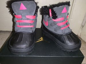 Toddler Girl Nike Boots 5C for Sale in Pawtucket, RI