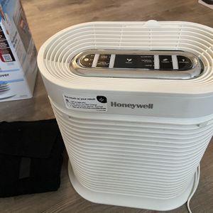 Honeywell Air Purifier Medium Room for Sale in Carmel, IN