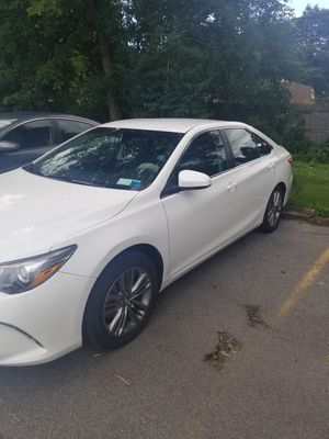 2016 camry toyota SE for Sale in Buffalo, NY