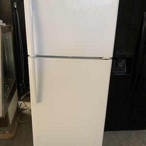Fridge Ge Good Condition 90 Days Warranty Refry Ge Buenas Condiciones 90 Dias De Garantia for Sale in San Leandro, CA