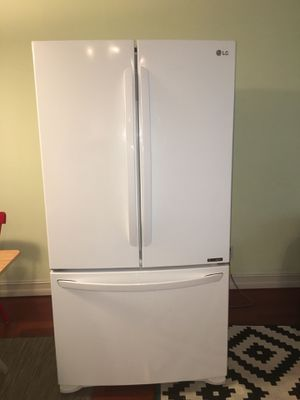 LG Refrigerator for Sale in Deerfield Beach, FL