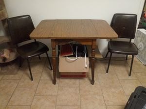 Table and chairs for Sale in Selma, CA