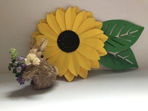 Paper flowers/ flores de papel 🌻 for Sale in Sudley Springs, VA