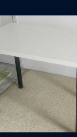 Home Office Desk / Study Table (Ikea) for Sale in Beaverton,  OR