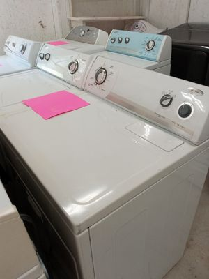 Good whirlpool set (washer\dryer) for Sale in Austell, GA