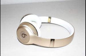 Beats by Dr. Dre - Beats Solo 3 A1796 Wireless Headphones - Rose Gold for Sale in Brooklyn, NY