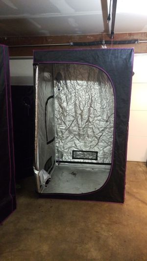 Grow tent 4x4 for Sale in Sammamish, WA