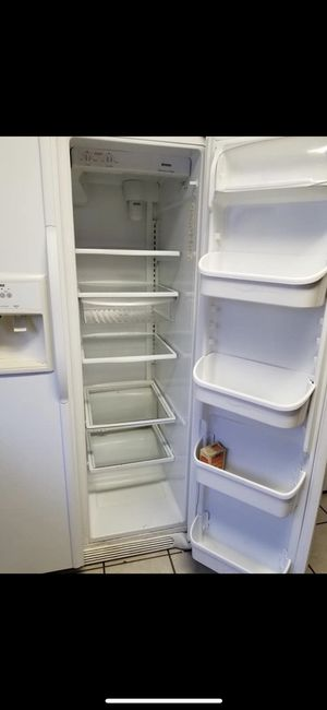 Refrigerator/ dishwasher and dryer for Sale in Dallas, TX