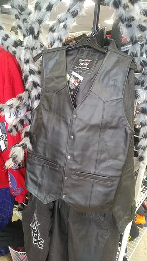 Leather Vest size Small $25 @ZERA OUTLET for Sale in Orlando, FL