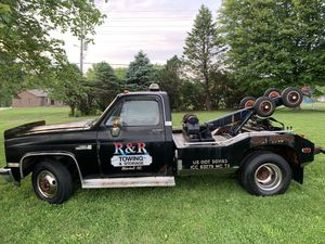 Chevy C30 Wrecker for Sale in Collinsville, IL
