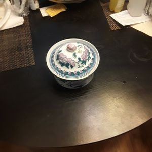 Japanese Bowl with Lid for Sale in East Haven, CT