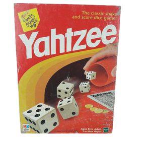 Vintage Yahtzee board game 1997 for Sale in Jurupa Valley, CA