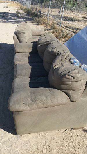 Want to spank free couch and loveseat and queen mattress all in good shape for Sale in Lancaster, CA