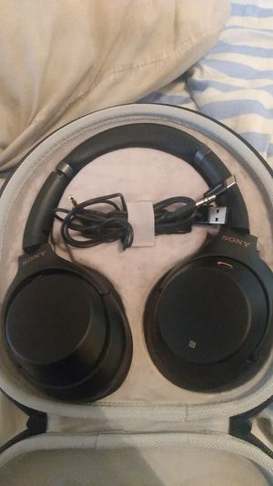 Basically new Sony headphones asking 250 obo for Sale in Phoenix, AZ