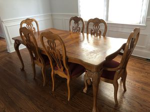 Dining room table and six chairs for Sale in Woodmere, NY