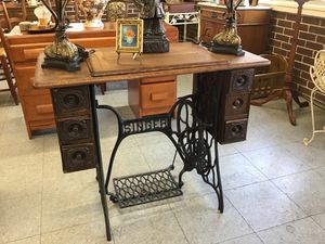 Beautiful antique iron singer base w/table top for Sale in Fort Washington, MD