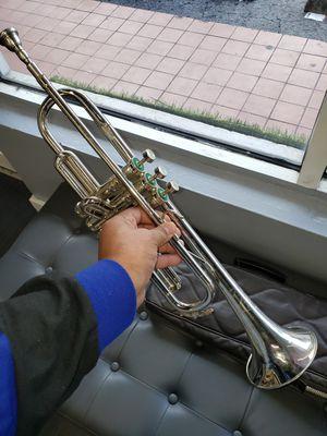 Trompeta weril for Sale in Miami, FL