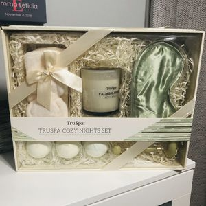 TrTruSpa Cozy Night Set - NEW for Sale in Stickney, IL