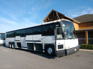 1996 MCI bus coach bus, charter , rv conversion , for Sale in Baltimore, MD
