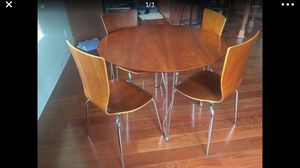 Kitchen dining table and chairs set for Sale in Woodinville, WA