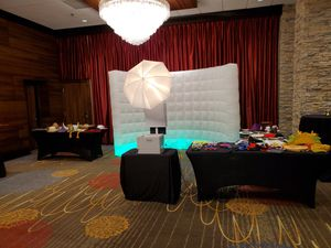 T11 PHOTO BOOTH for Sale in Newark, CA