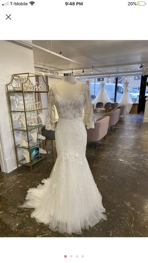 Pronovias Traditional Wedding dress size 12 (L) for Sale in Woodbridge, VA