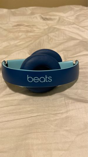 Beats solo 3 wireless headphones for Sale in Haines City, FL