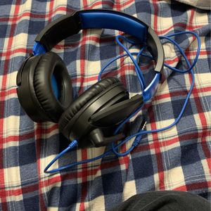 PlayStation 4 Turtle Beach Headset for Sale in Chicago, IL