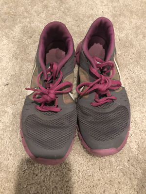 Nike running shoes size 6 for Sale in Fort Washington, MD