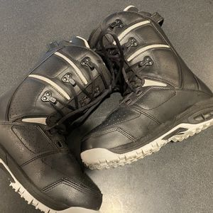 """K2 """"Raider"""" Snowboard Boots (Men's Size 7 US) Women's size 8 for Sale in Happy Valley, OR"""
