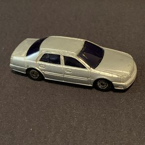 Maisto 2000 Cadillac Deville 1/64 for Sale in Lakewood, WA