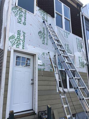 28' blue tip Werner ladder for Sale in Coraopolis, PA