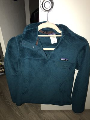 Patagonia women's fleece pullover, size small for Sale in Edmond, OK