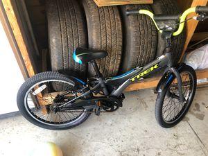 Trek boys bike for Sale in Dearborn Heights, MI