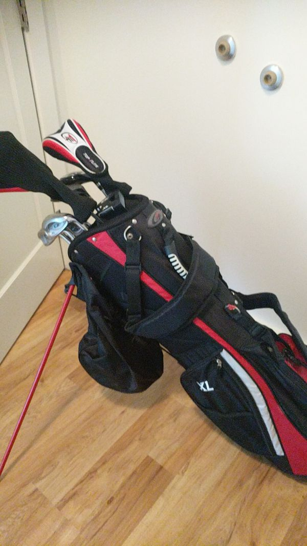 Set of golf clubs used only once