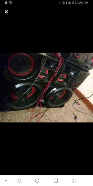 LG hi-fi stereo system Bluetooth for Sale in Mansfield, OH
