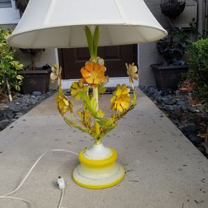 Mid Century Lamp-tole Vintage for Sale in Delray Beach, FL