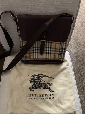 Authentic Burberry bag ,messenger bag for Sale in Woodbridge, VA