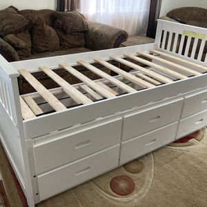 White Twin Platform Bed With Trundle And Drawers, $200 OBO for Sale in Happy Valley, OR