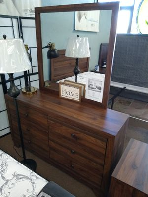 Brown Dresser with Mirror for Sale in Glendale, AZ