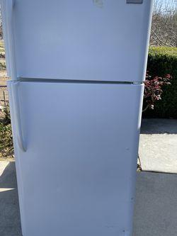 Garage Refrigerator for Sale in Modesto,  CA
