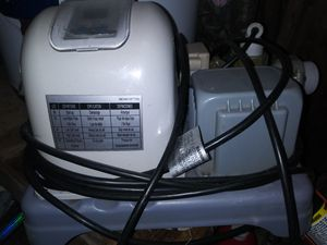 Crystal Clear Salt Water Pump( obo) for Sale in Victoria, TX