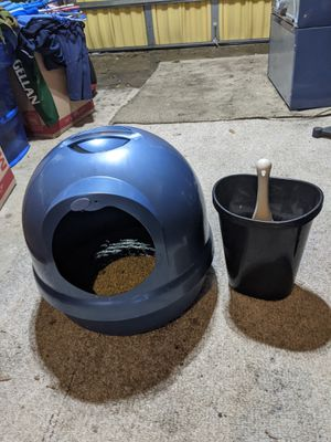 Kitty litter box covered for Sale in Shalimar, FL