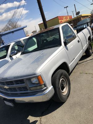 1994 Chevy Cheyenne 2500 single cab long bed for Sale in Bellflower, CA