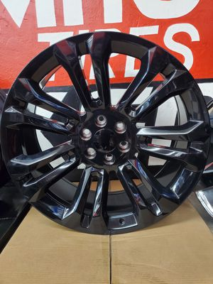 24x10 6x139.7 WHEELS AND TIRES for Sale in Fresno, CA