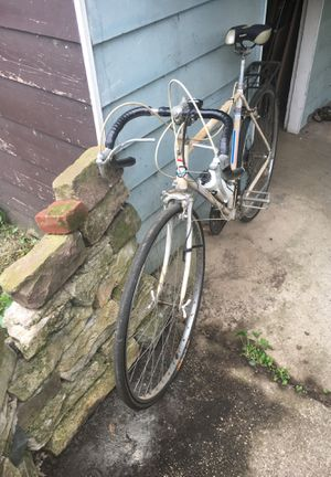 Road bike for Sale in Whitehall, OH