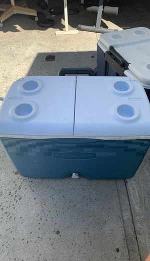 Rubbermaid Ice Cooler for Sale in Lakewood, CA
