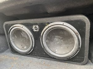 bassworx subwoofer box and amplifier for Sale in Visalia, CA